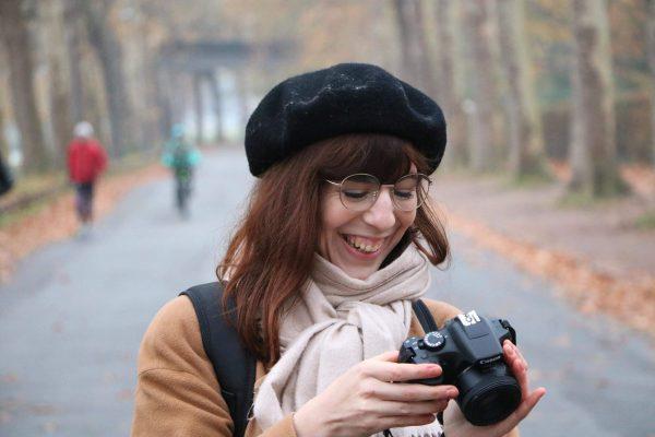 La belle histoire d'Allison, journaliste, photographe, étudiante et serveuse, tout ça à la fois.